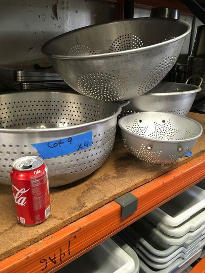 Aluminum colanders two sizes