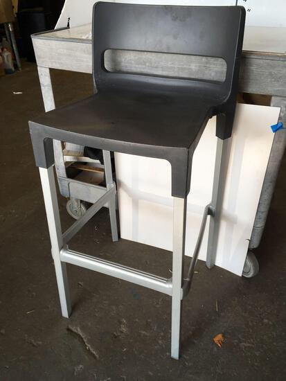 Aluminum bar stools, Plastic seats, Made in Italy