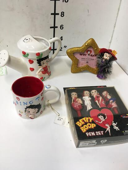 Collectible Betty Boop pen set, picture frame, water can, coffee cup