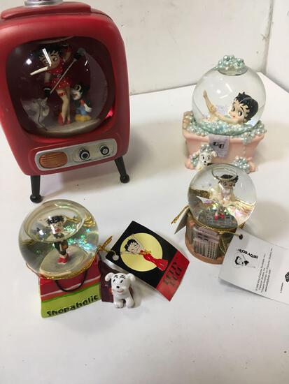 Collectible Betty Boop figurines globes