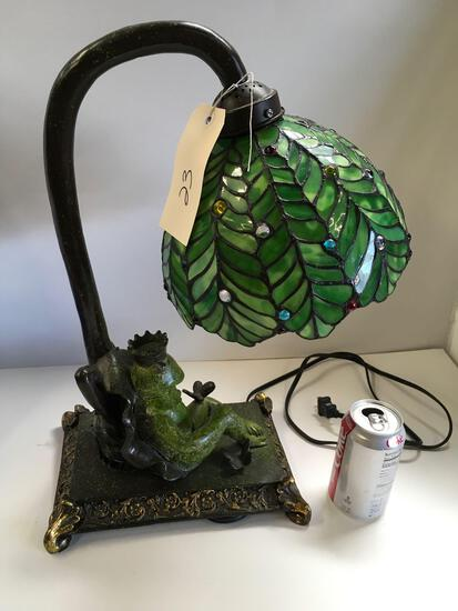 """18"""" T x 15"""" W green with gold finish, Tiffany style shade table lamp"""