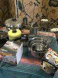 Lot Assorted kitchen wares