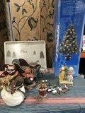 Lot of assorted Christmas decorations  & Alpac tray18