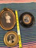 3 pieces. Vintage picture frames with pictures