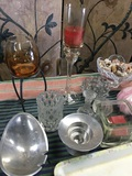 """6 pieces. Assorted containers and 18"""" x 14"""" Alpac  tray"""