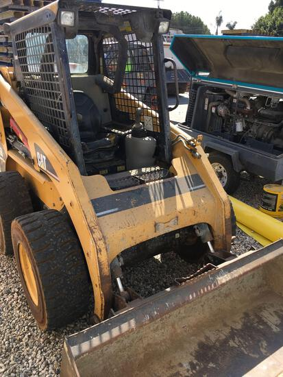 Caterpillar 236B Skid Steer Loader, Turbo Diesel Runs, Drives & Operates See video 2nd photo frame