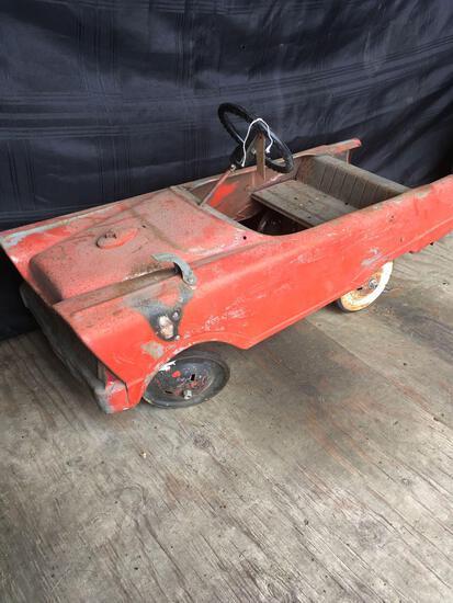 Vintage Ball Bearing Drive Metal Pedal Car.