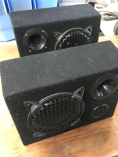Set of car speakers