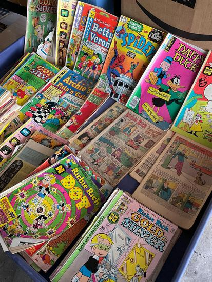 Vintage Comic books (majority are Ritchie Rich). 148 pieces. See all pics