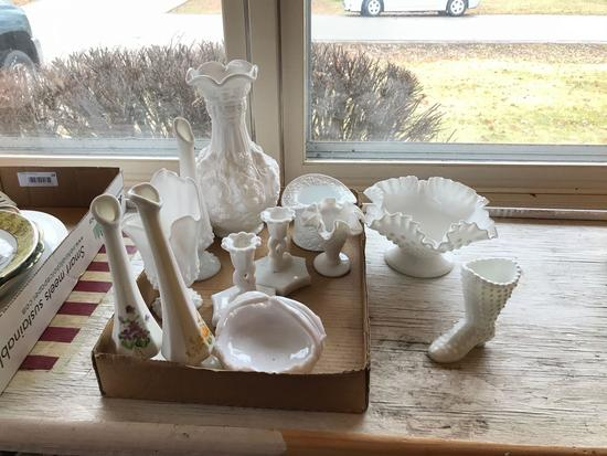 Group of vintage milk glass items