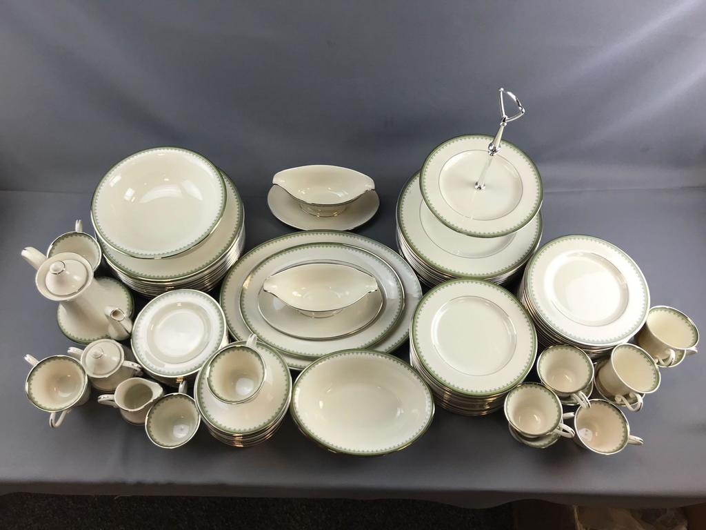 ONLINE ONLY ANTIQUES & COLLECTIBLES AUCTION