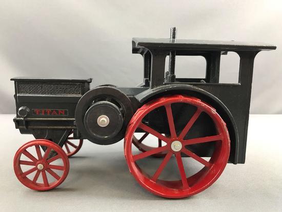 JL ERTL IH Titan Die cast Tractor