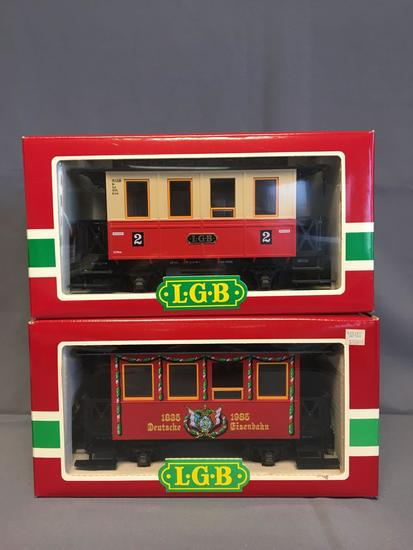 Group of 2 LGB 3150 Wappenwagen and 3013 OBB Speisewagen Cars