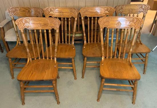 Group of 6 oak dining room chairs