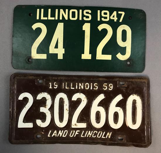 Group of 2 Vintage Illinois License Plates   Art, Antiques