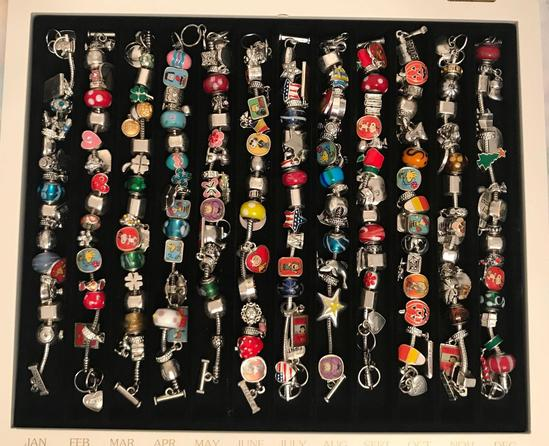 Peanuts Willabee and Ward 12 month charm bracelet set in case
