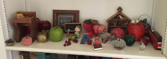 Shelf lot of Apple/Teacher Decor
