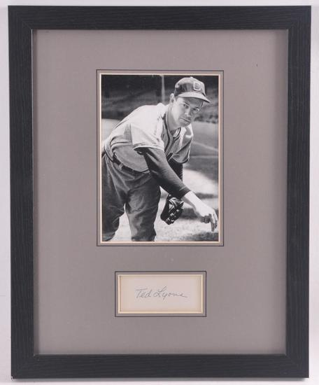 Chicago White Sox Ted Lyons Cut Signature with Photograph and JSA COA