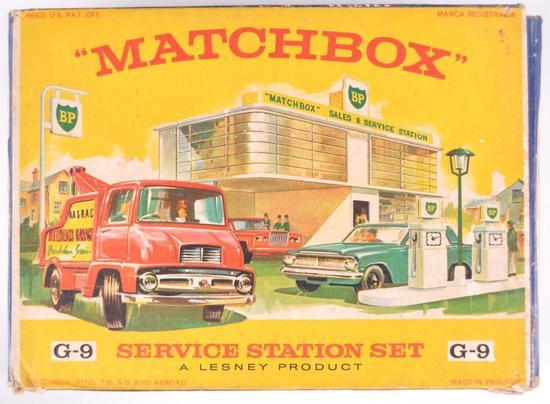 Matchbox G-9 Service Station Set with Original Box and 3 Vehicles