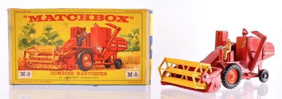 Matchbox Major Pack M-5 Combine Harvester Die-Cast Vehicle with Original Box