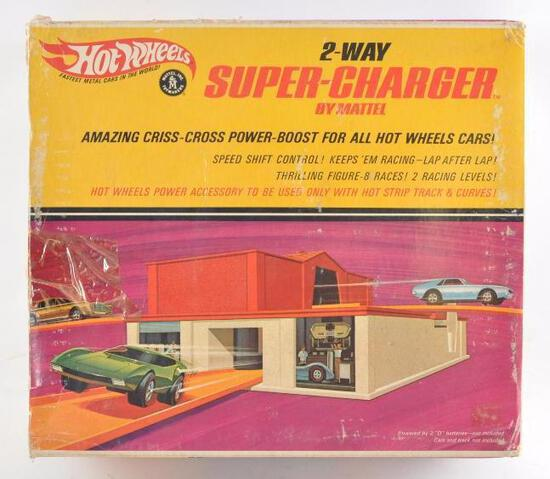 Hot Wheels 2-Way Super Charger with Original Box