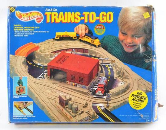 Hot Wheels Sto and Go Trains-To-Go Playset with Original Box