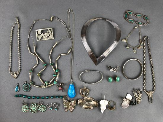 Group of 30+ pieces assorted jewelry