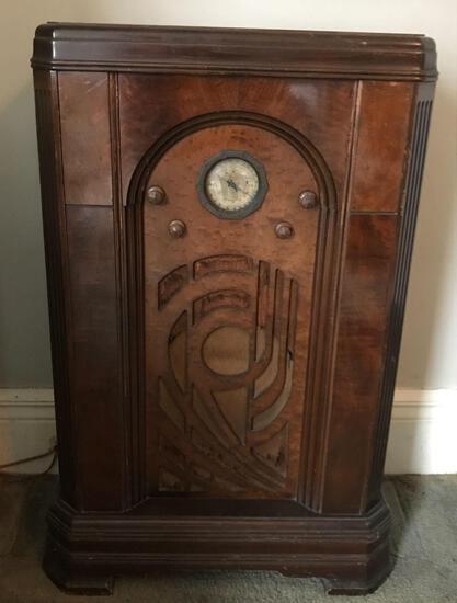 Antique Zenith Floor Console Long Distance Radio