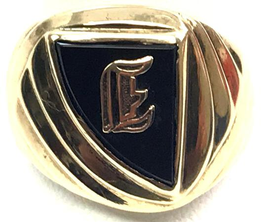 Dason 14k Yellow Gold and Onyx Signet Ring