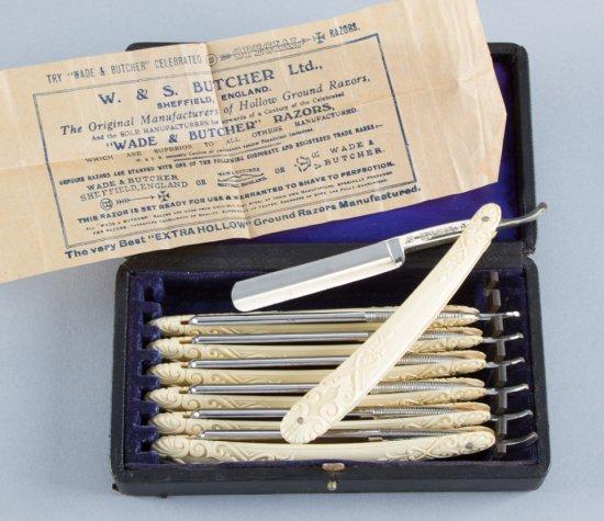 Fine condition, very desirable, 7-day Straight Razor Set, in original fitted case, near pristine con