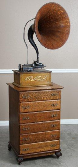 Antique six drawered oak claw foot Music Cabinet, circa 1900-1910, beautiful quarter sawn oak case,