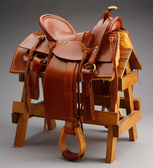 High quality miniature Loop Seat Saddle with square skirt, Samstag rigging and wooden stirrups, made