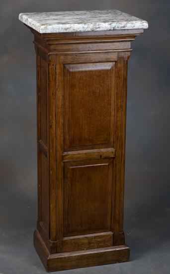 "Antique oak Pedestal, circa 1900-1910, nice finish and condition, 43 1/4"" T x 14 1/2"" D x 18"" W, rai"