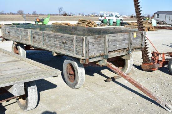 Hayrack Wagon w/ Sides