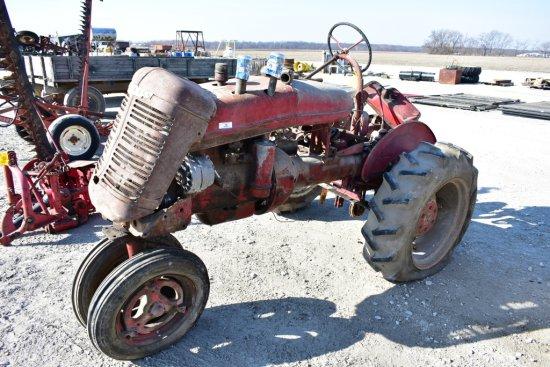 IHC Farmall Antique Parts Tractor