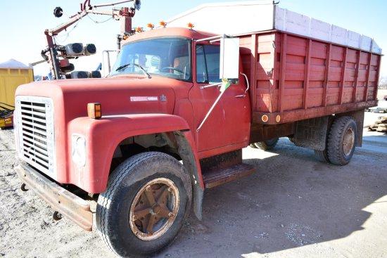 1976 IHC Grain Truck