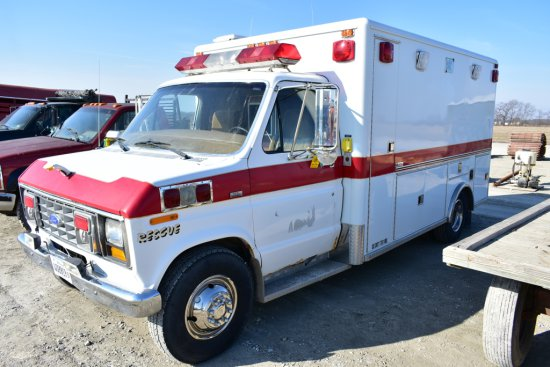 1989 Ford E-350 Ambulance / Camper