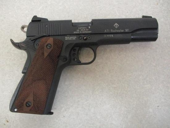 German Sport Guns mod. GSG-1911 22 LR cal semiauto pistol wood grips 4 mags