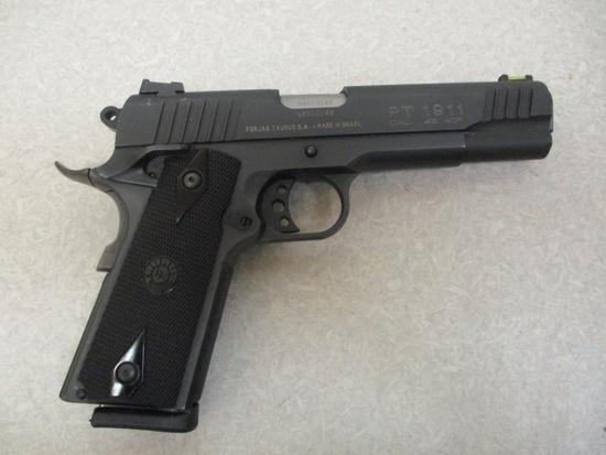 Taurus mod. PT 1911 45 ACP cal semi auto pistol (2) 8-rd mags ser # NAS 202