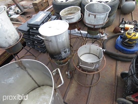 2 STAINLESS POTS & COOKERS