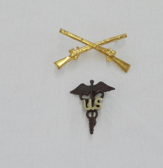 2 Pieces WWI/WWII Us Officer's Collar Insignias