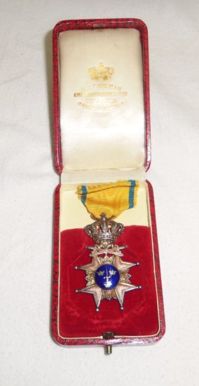 Scarce Early Swedish Royal Order Of The Sword Medal-Cased