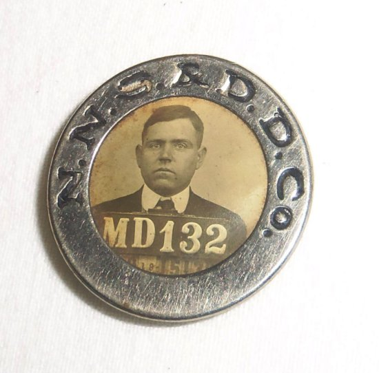 Rare Newport Shipbuilding & Dry Dock Co. ID Badge