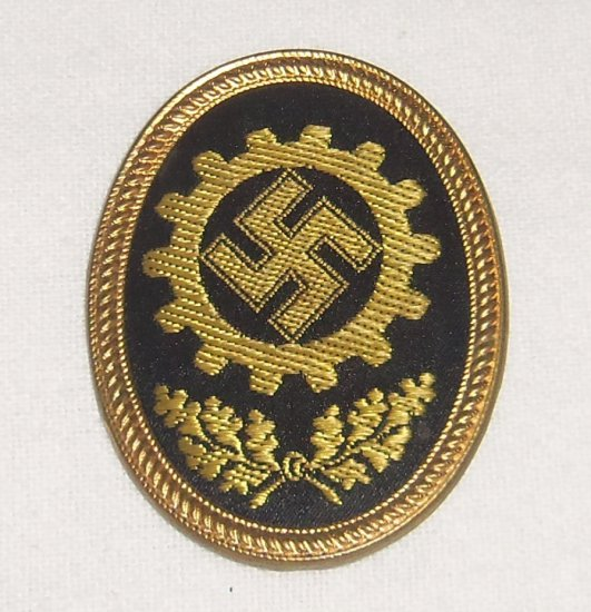 German WWII RAD Cap Badge For EM