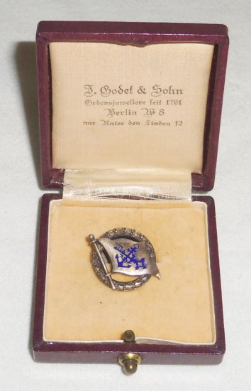 WWI/WWII 25 Year German Naval Service Pin in Case