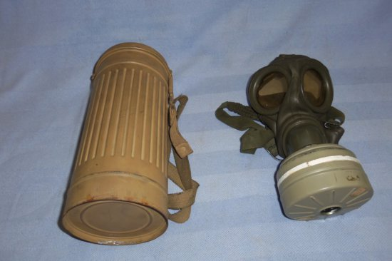 WWII German Soldier Gas Mask with Canister - Tropical Finish
