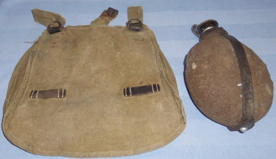 2 pcs - German Soldier Canteen/Bread Bag