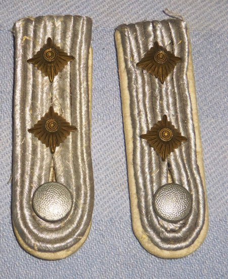 WWII German Infantry Officer Slip On Shoulder Boards for Rank of Captain
