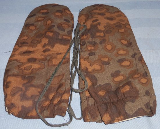 WWII Waffen SS Oak Pattern Camo 2 Finger Gloves