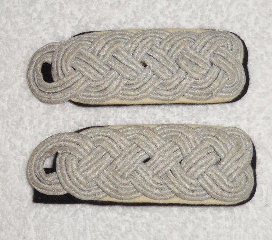 Pair Waffen SS Sturmbannfuhrer (Major) Slip On Shoulder Boards